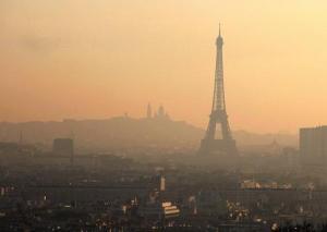 Quand la pollution sur Paris est visible à l'oeil nu
