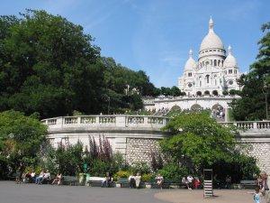A deux-pas de la maison, les jardins du Sacré-Coeur avec un jardin pour enfants.